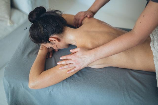 Masaje sexual, una profunda comunicación entre cuerpos